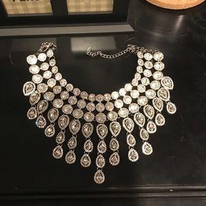 Jewelry - GORGEOUS Fashion Necklace choker.